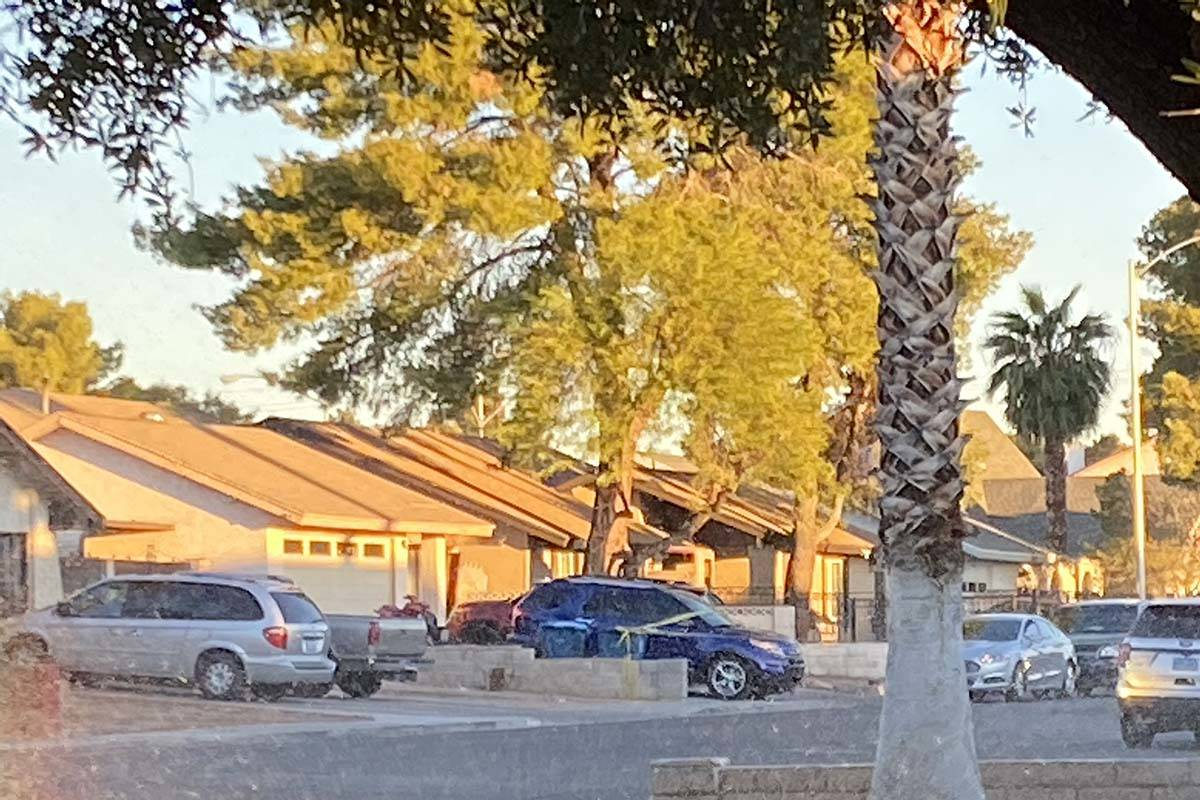 Las Vegas police investigate a suspected murder-suicide in the east valley, Wednesday, Oct. 28, ...
