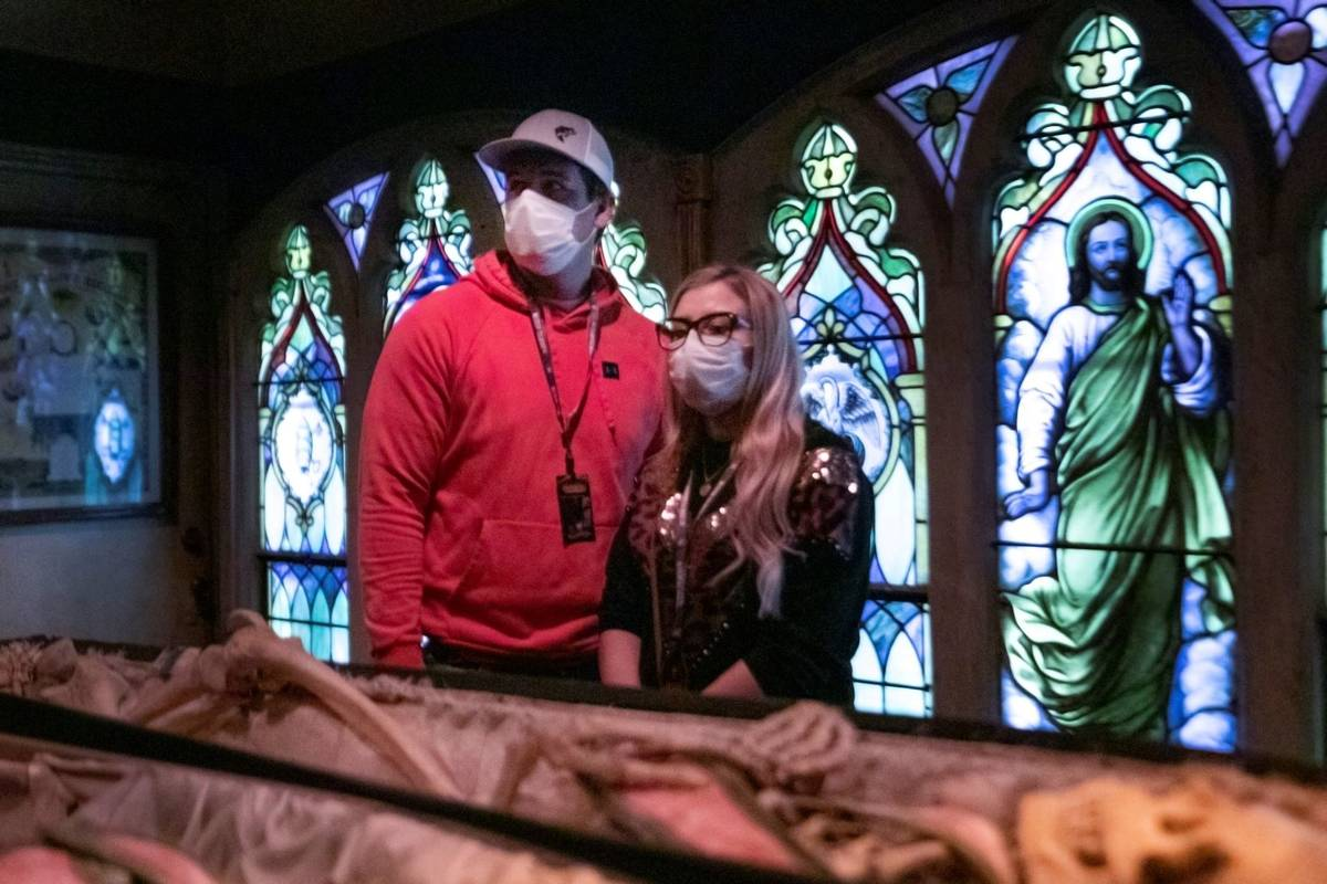 Greer Pope , 25, left, and Brittany Pope, 28, of Jackson, Georgia, look at the Odd Fellows room ...