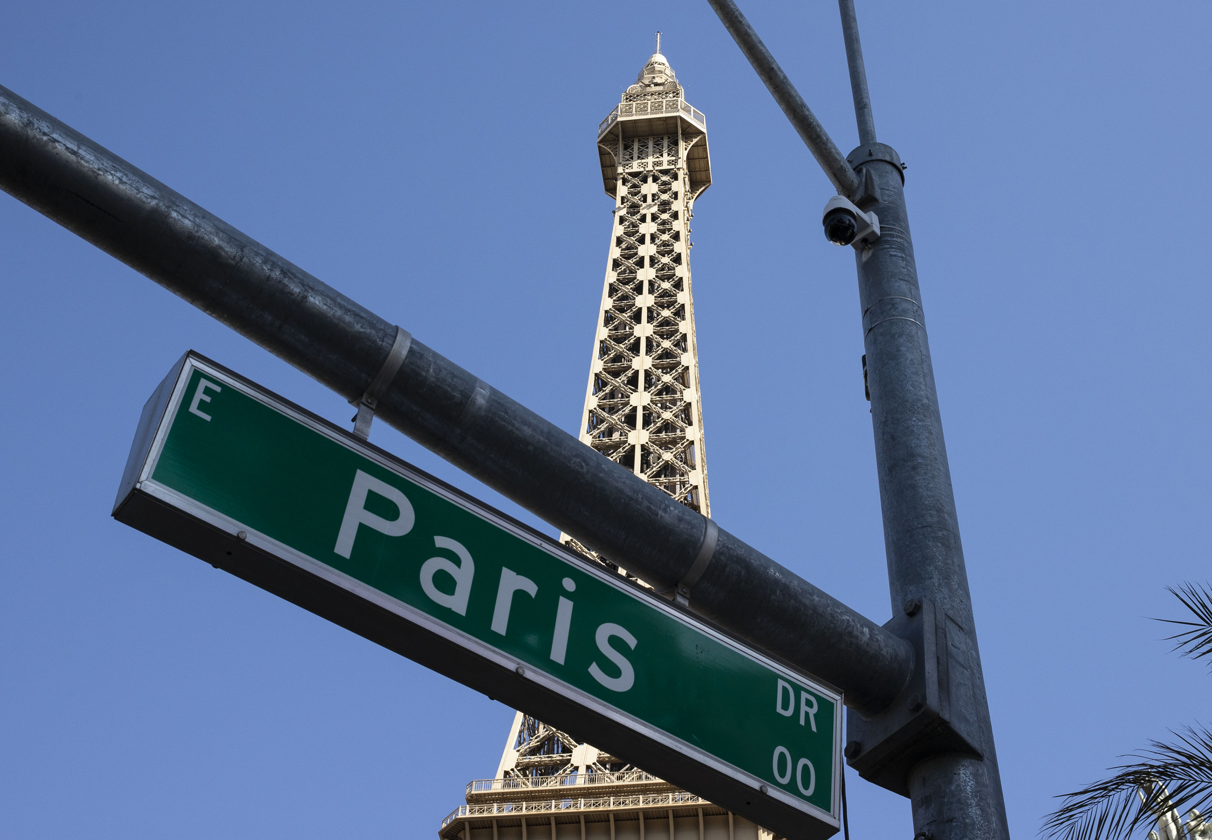 No cause released for hourslong Paris Las Vegas power outage