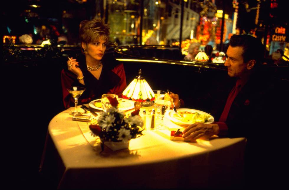 """Ginger (Sharon Stone) and Sam """"Ace"""" Rothstein (Robert De Niro) have dinner at The Plaza in a sc ..."""