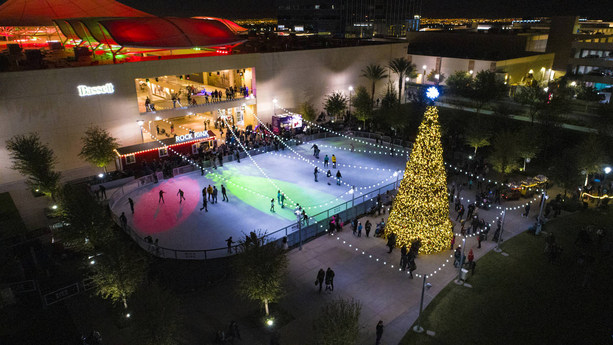Christmas Lights Neighborhoods Las Vegas 2020 Downtown Summerlin kicks off 2020 holiday season | Las Vegas