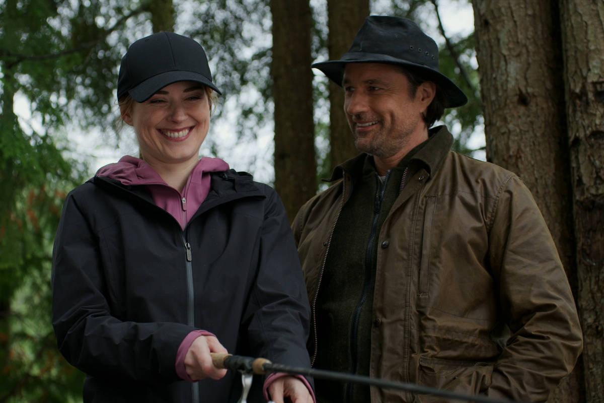 "Alexandra Breckenridge, left, as Melinda Monroe, Martin Henderson as Jack Sheridan of ""Virgin R ..."