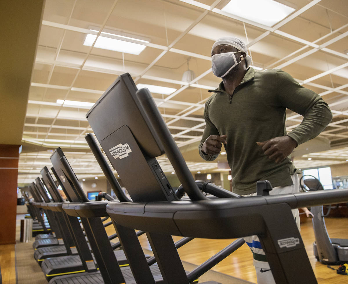 Curtis Meeks runs on the treadmill at Life Time Athletic on Monday, Nov. 23, 2020, in Las Vegas ...