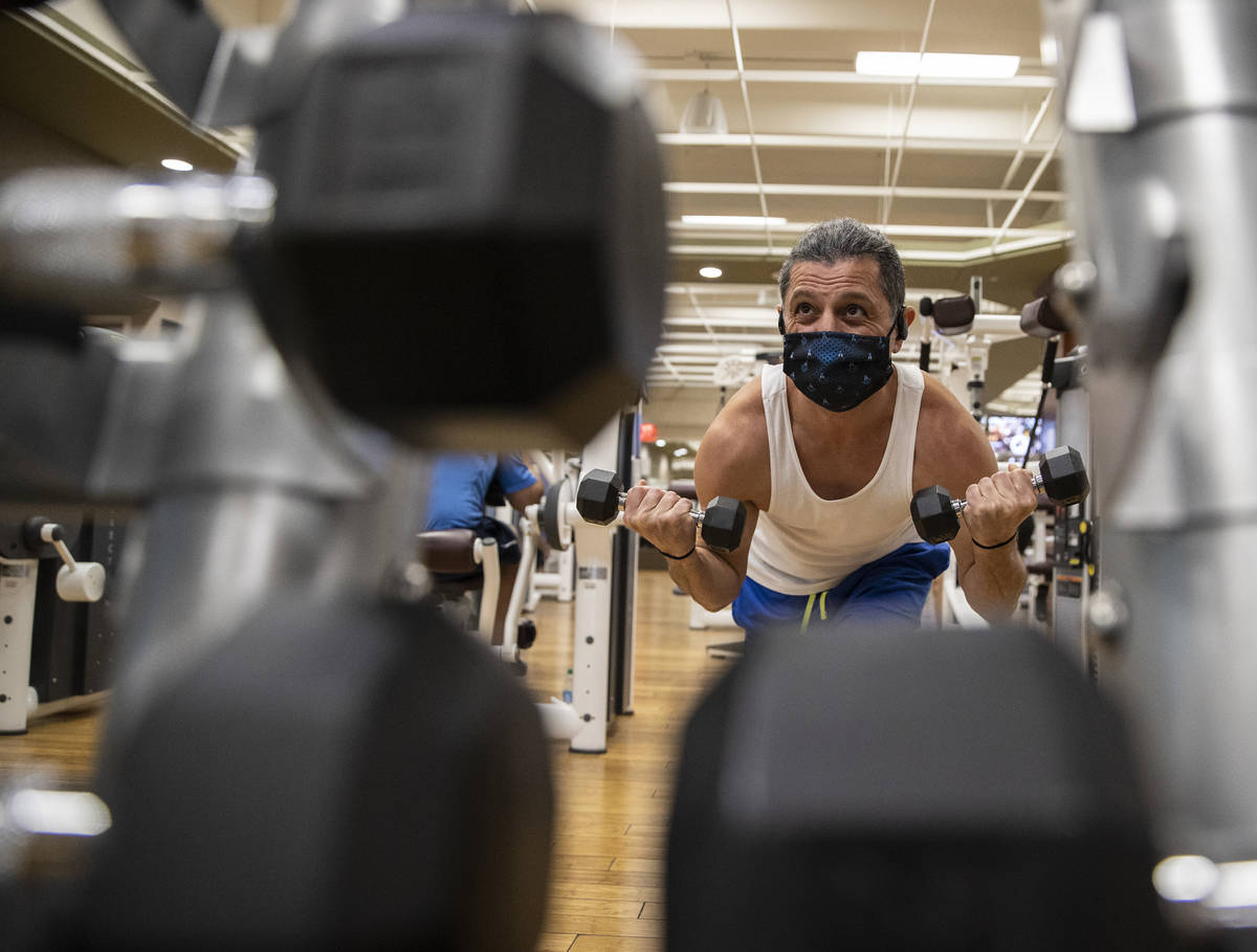 Mike Zargari works out at Life Time Athletic on Monday, Nov. 23, 2020, in Las Vegas. (Benjamin ...