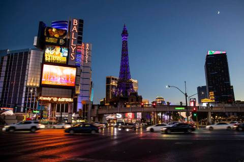 Traffic passes on the Las Vegas Strip Thursday, Nov. 19, 2020. (Chase Stevens/Las Vegas Review- ...