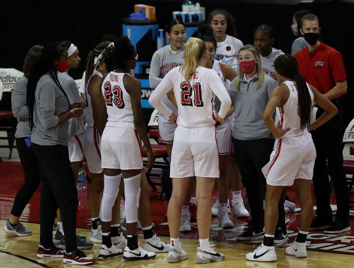 UNLV Lady Rebels head coach Lindy La Rocque speaks to the team during the first half of the sea ...