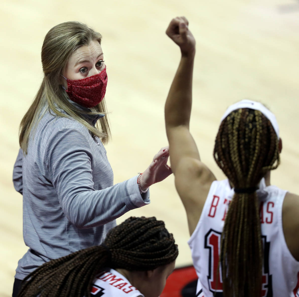 UNLV Lady Rebels head coach Lindy La Rocque speaks to players on a timeout, during the second h ...