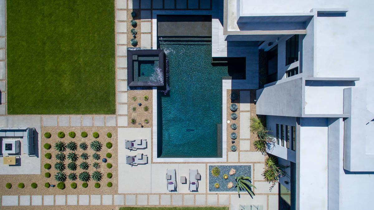 The pool. (Simply Vegas)