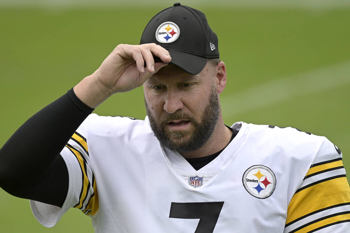 Pittsburgh Steelers quarterback Ben Roethlisberger (7) warms up before an NFL football game aga ...