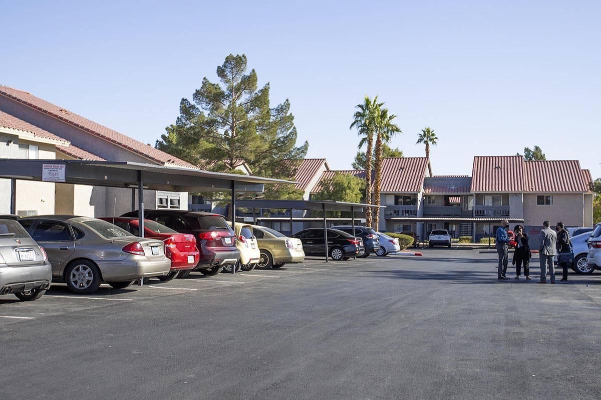 The apartment complex where a newborn baby was found abandoned on Sunday. (Ellen Schmidt/Las Ve ...