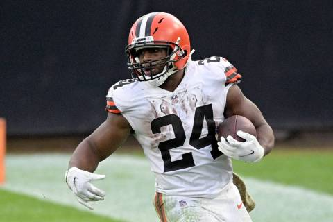 Cleveland Browns running back Nick Chubb (24) rushes for yardage during the second half of an N ...