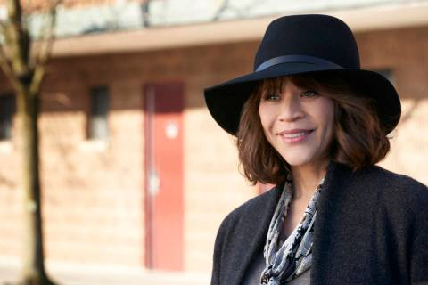 "Rosie Perez in ""The Flight Attendant."" (Karolina Wojtasik/HBO Max)"