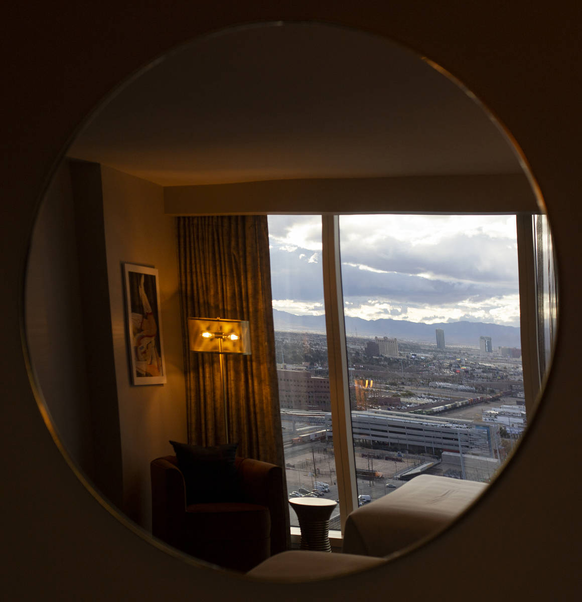 "A ""Circa Studio Suite"" looks over the Las Vegas Valley at Circa on Monday, Dec. 28, 2 ..."