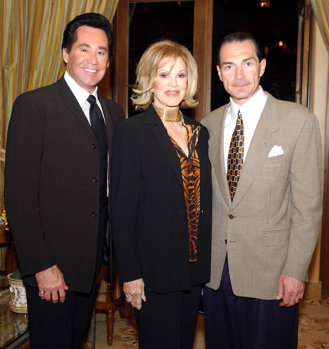 Wayne Newton, from left, Phyllis McGuire and Chairman and CEO of MGM Alex Yemenidjian, at The M ...