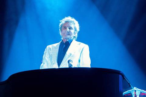 Barry Manilow. (Cashman Photo)