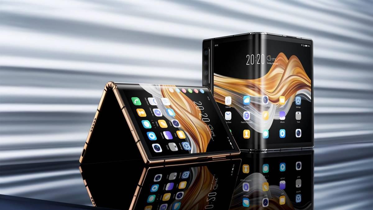 Royole Corp.'s FlexPai 2, a foldable smartphone. (Courtesy, Royole)