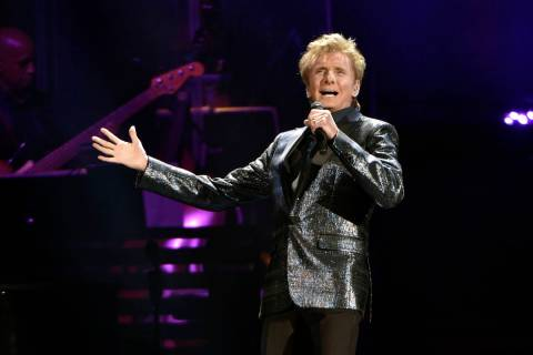 Barry Manilow performs at the Allstate Arena on Saturday, July 29, 2017, in Rosemont, Ill. (Pho ...