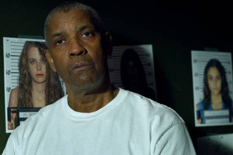 "Denzel Washington stars as Joe ""Deke"" Deacon, a police officer searching for a serial kille ..."