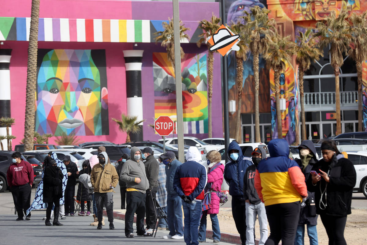 People line up to buy Powerball and Mega Millions lottery tickets at thePrimm Valley Lott ...