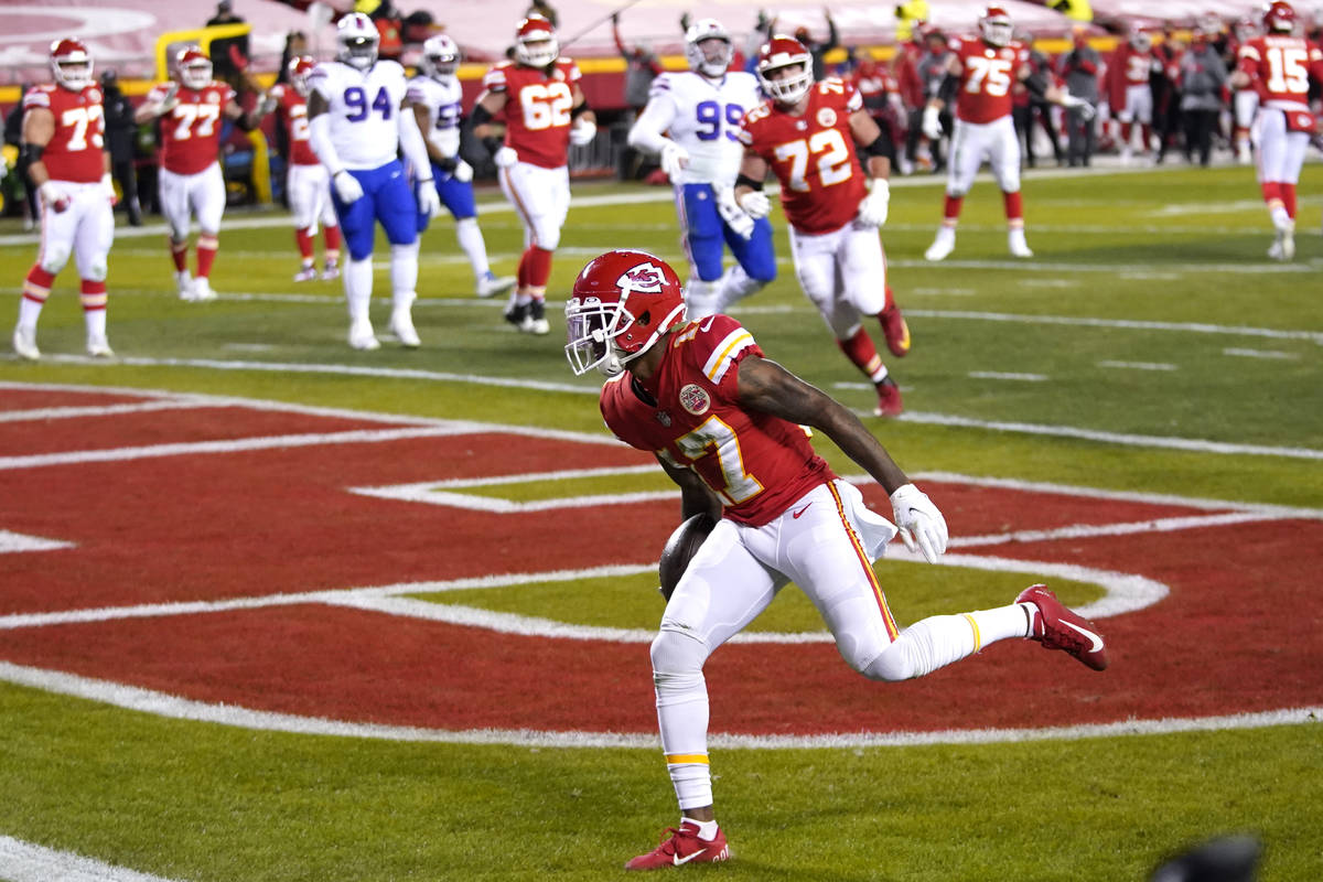 Kansas City Chiefs wide receiver Mecole Hardman catches a 3-yard touchdown pass during the firs ...
