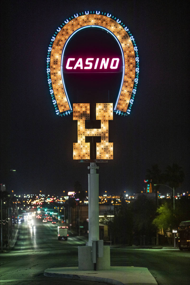 The restored neon sign for Benny BinionÕs Horseshoe Hotel and Casino on Las Vegas Boulevar ...