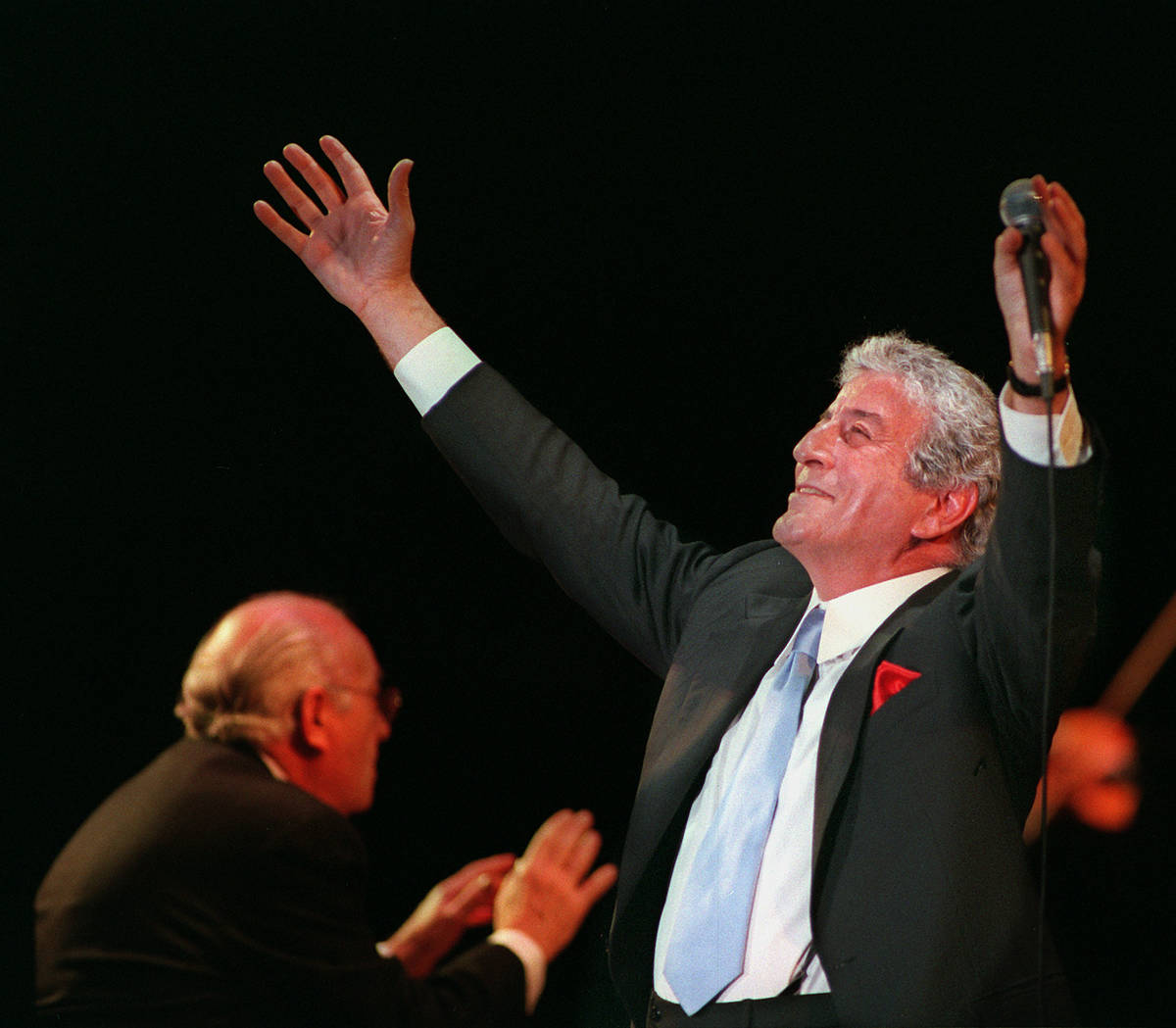 Tony Bennett performs at Caesars Palace in 1996. (Review-Journal file photo)