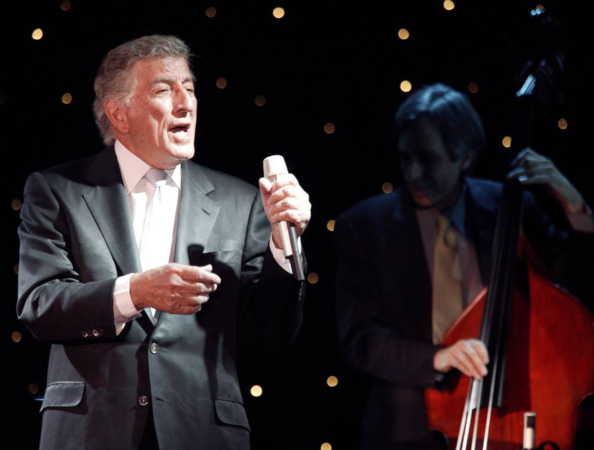 Tony Bennett performs at the Golden Nugget on Sunday March 7. 2004. (Review-Journal file photo)