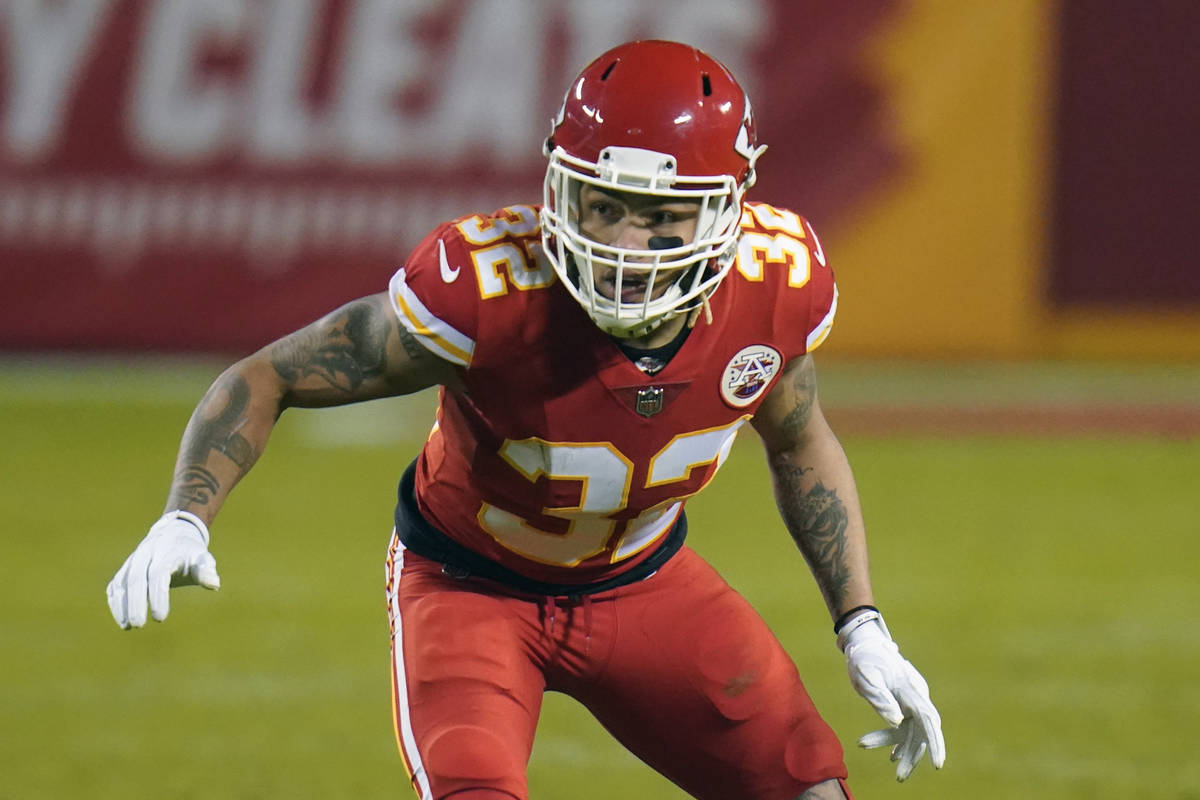 Kansas City Chiefs strong safety Tyrann Mathieu (32) plays against the Denver Broncos in the se ...