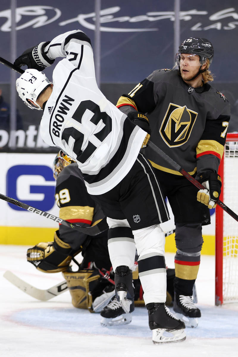 Vegas Golden Knights center William Karlsson (71) defends the goal against Los Angeles Kings ri ...