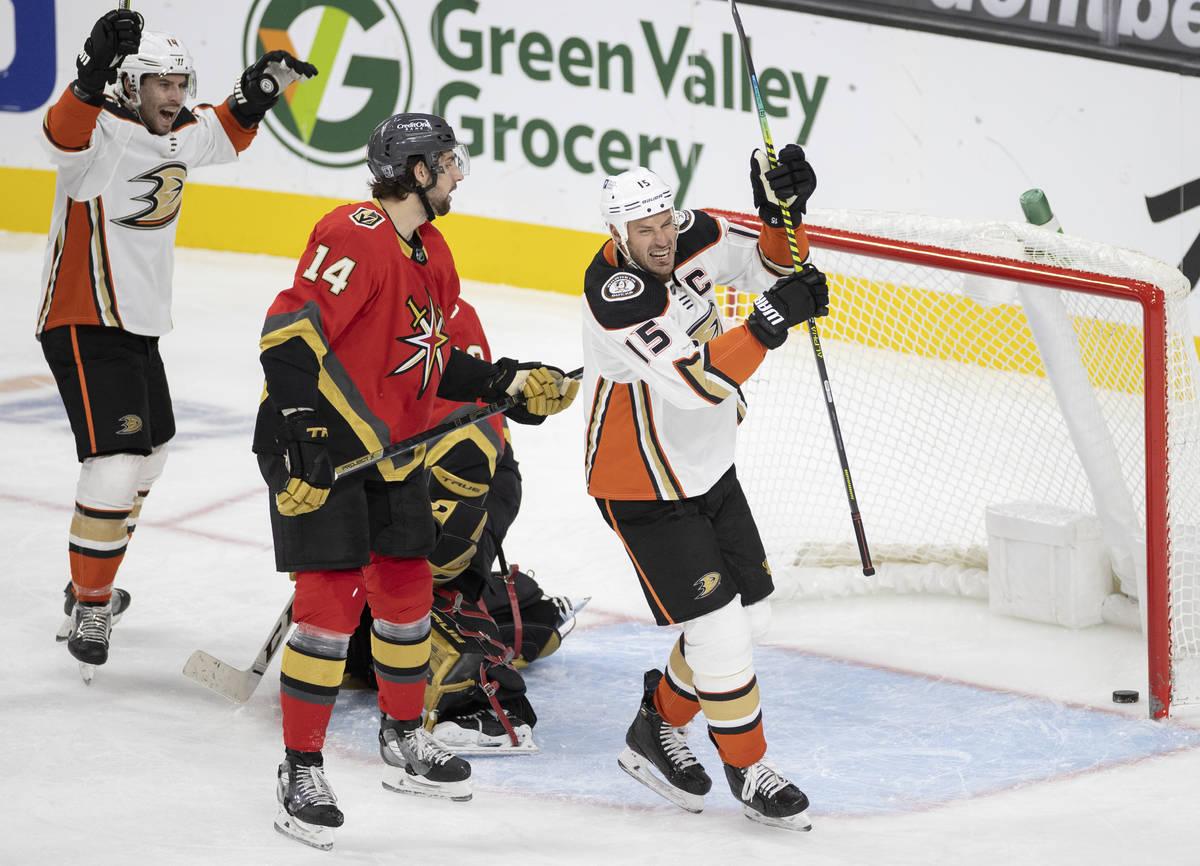 Anaheim Ducks center Ryan Getzlaf (15) celebrates after scoring a goal in the third period with ...