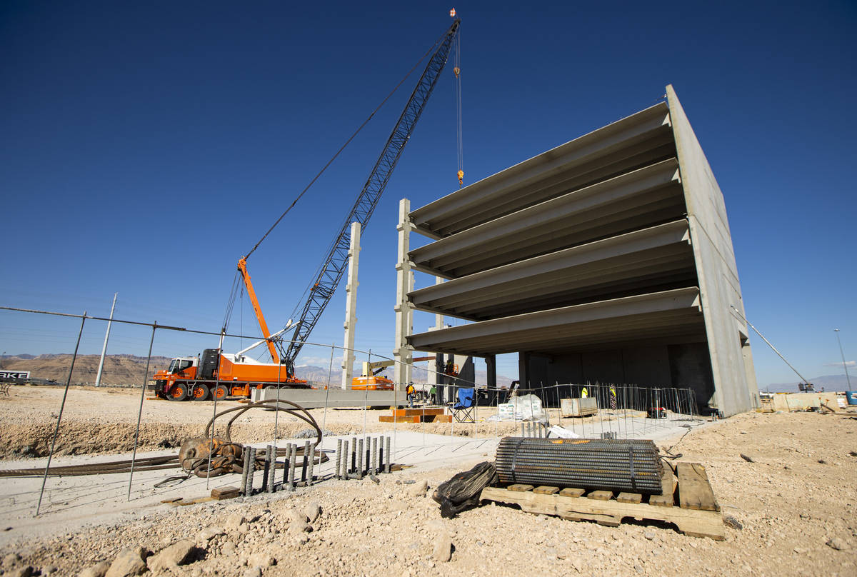 Constuction continues on the UnCommons mixed-use project in southwest Las Vegas on Wednesday, F ...