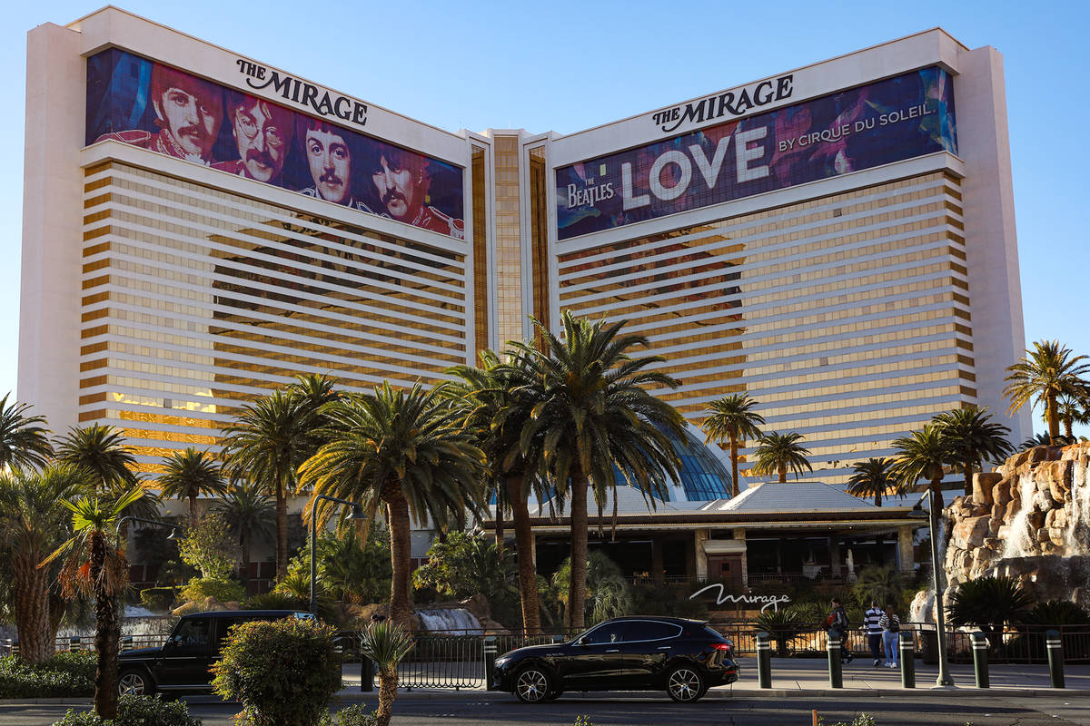 The Mirage in Las Vegas, Monday, Dec. 21, 2020. (Rachel Aston/Las Vegas Review-Journal) @rooki ...