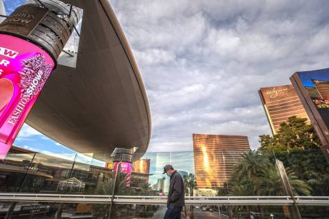 The Strip is largely empty on Thursday, Jan. 28, 2021, in Las Vegas. (Benjamin Hager/Las Vegas ...
