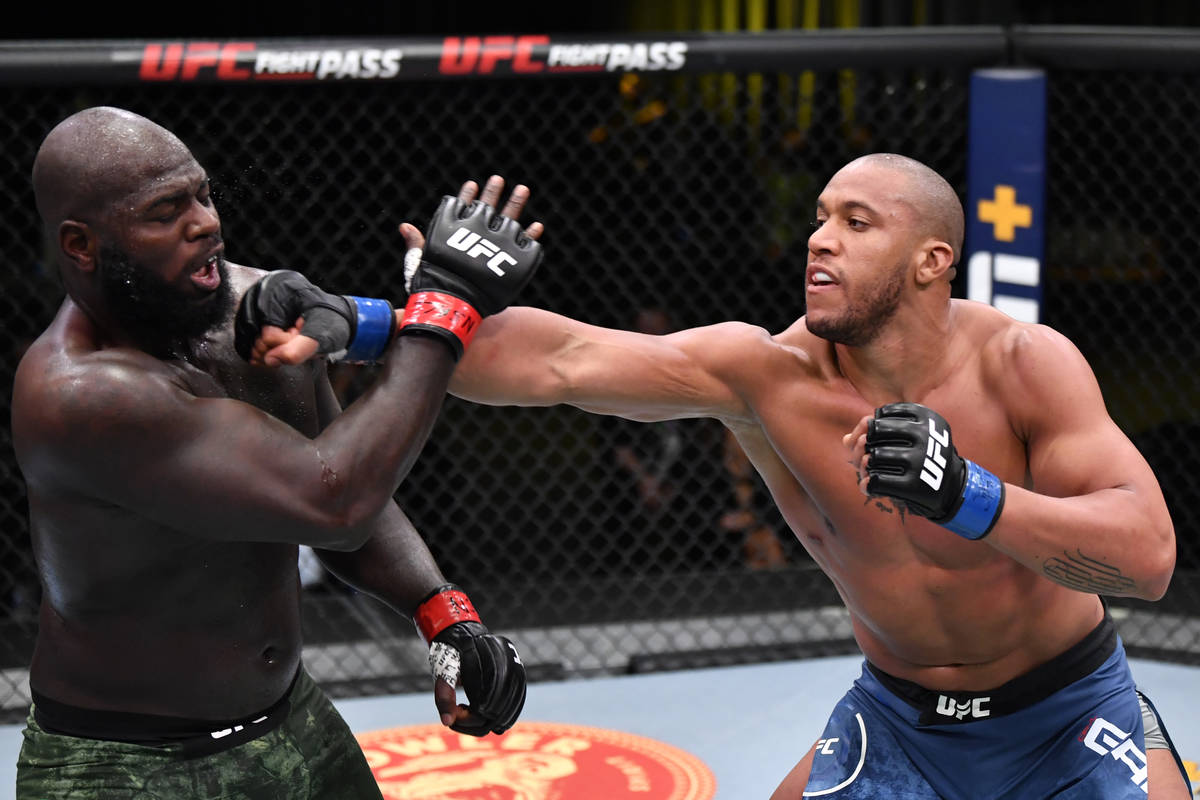 Cyril Gane remains unbeaten with unanimous decision on UFC card