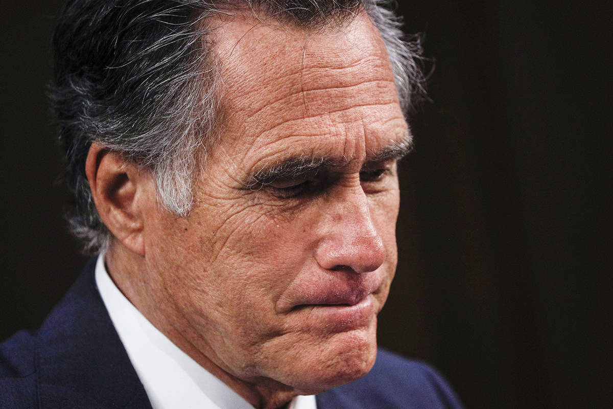 Mitt Romney knocked unconscious in fall, receives stitches