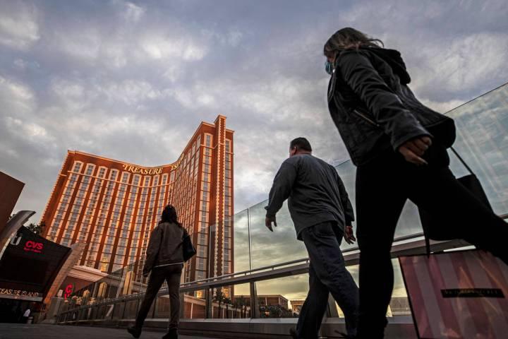 The Las Vegas Strip, seen in January 2021. (Benjamin Hager/Las Vegas Review-Journal)
