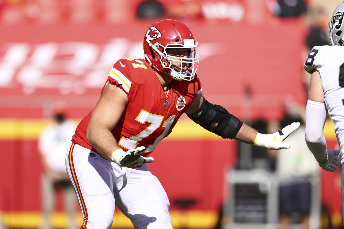 Kansas City Chiefs Offensive Tackle Mitchell Schwartz (71) during an NFL football game against ...