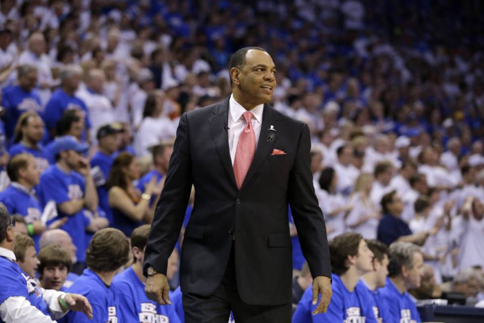 Memphis Grizzlies head coach Lionel Hollins watches play late in Game 2 of their Western Confer ...