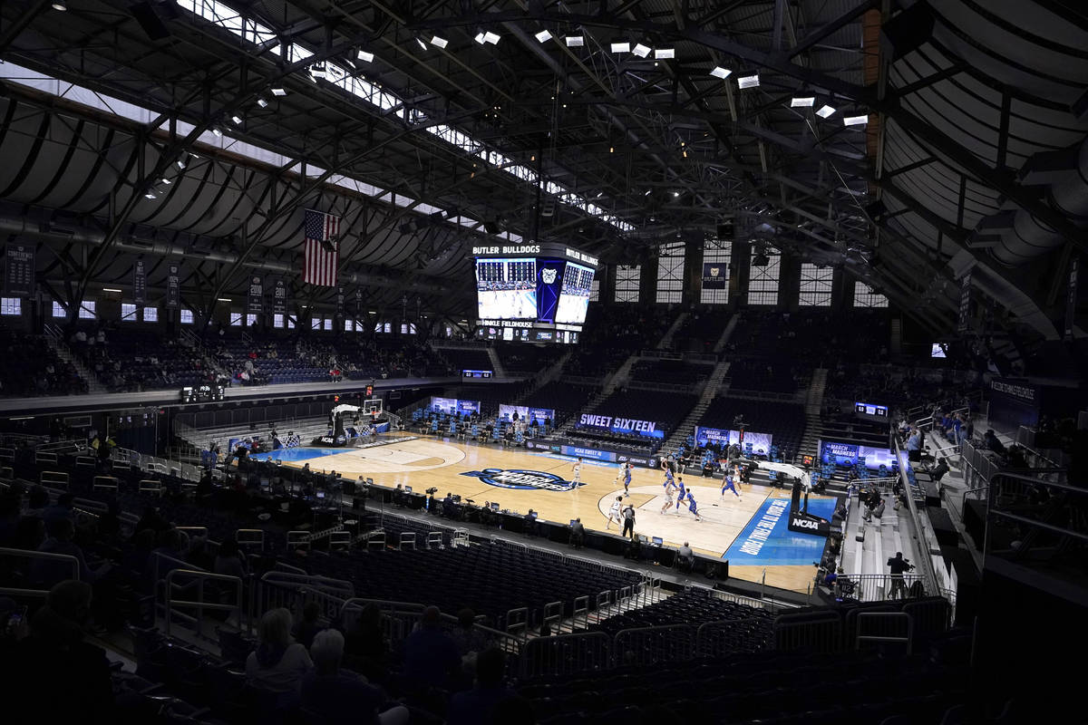 Gonzaga and Creighton tipoff in the first half of a Sweet 16 game in the NCAA men's college bas ...