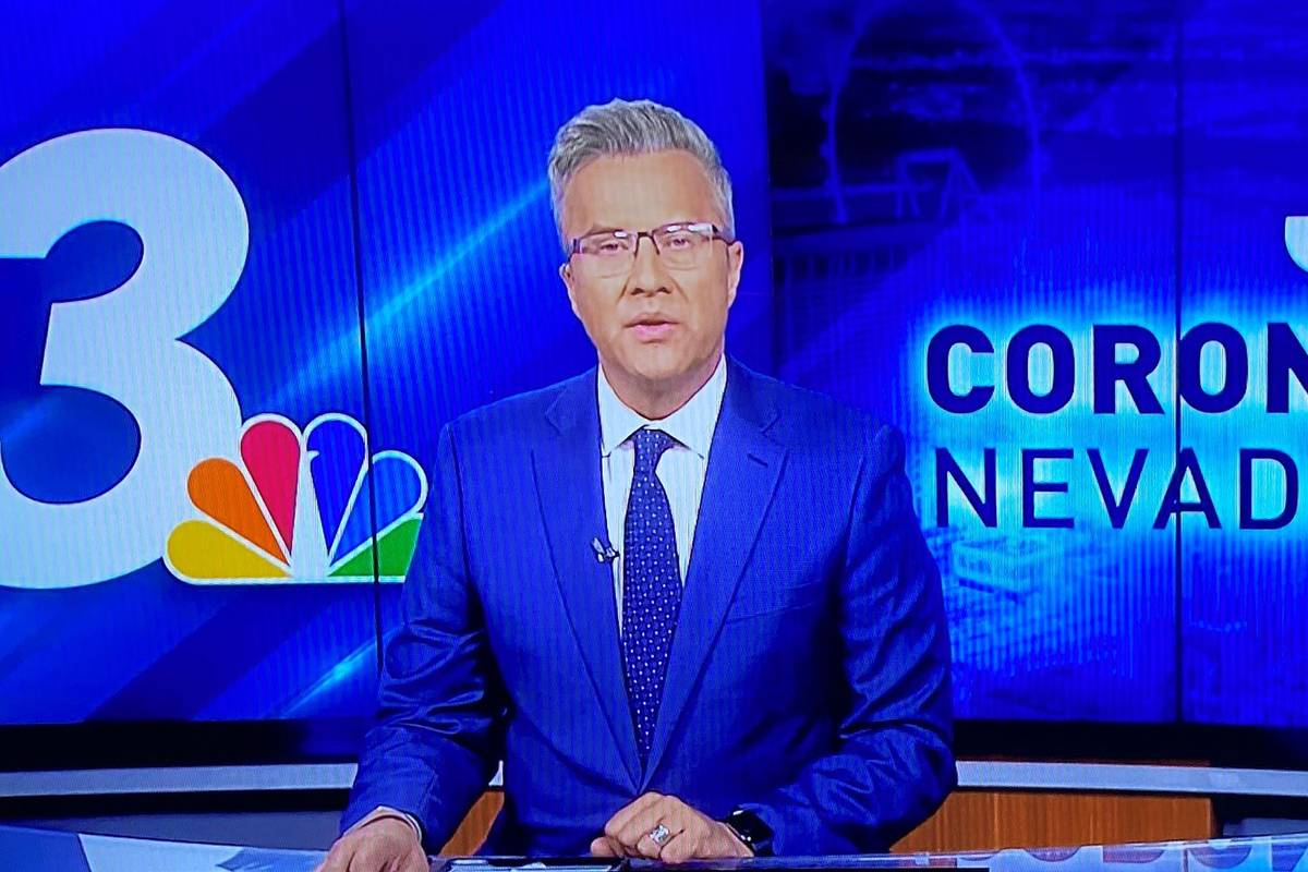 Channel 3 anchor Reed Cowan reports the news on Wednesday, April 7, 2021, in Las Vegas. (Benjam ...