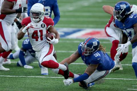 Arizona Cardinals running back Kenyan Drake (41) in action against New York Giants linebacker J ...