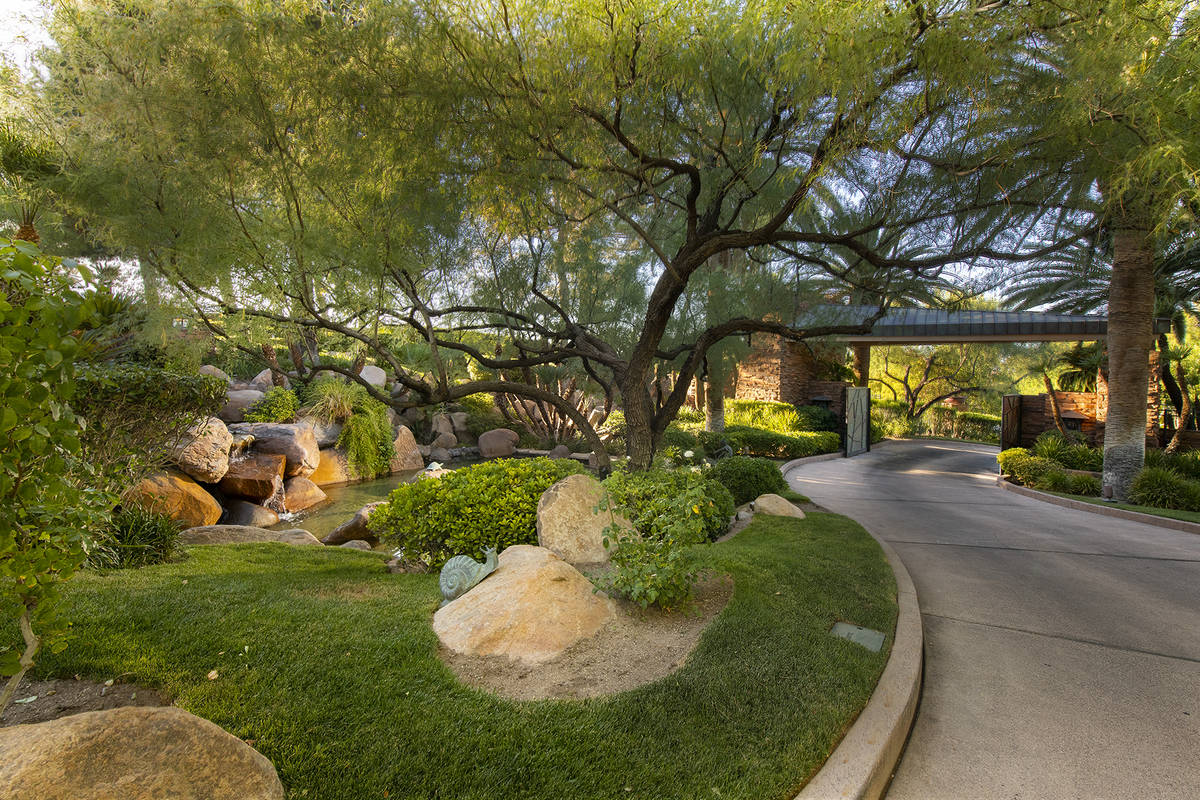 The driveway. (Synergy Sotheby's International)