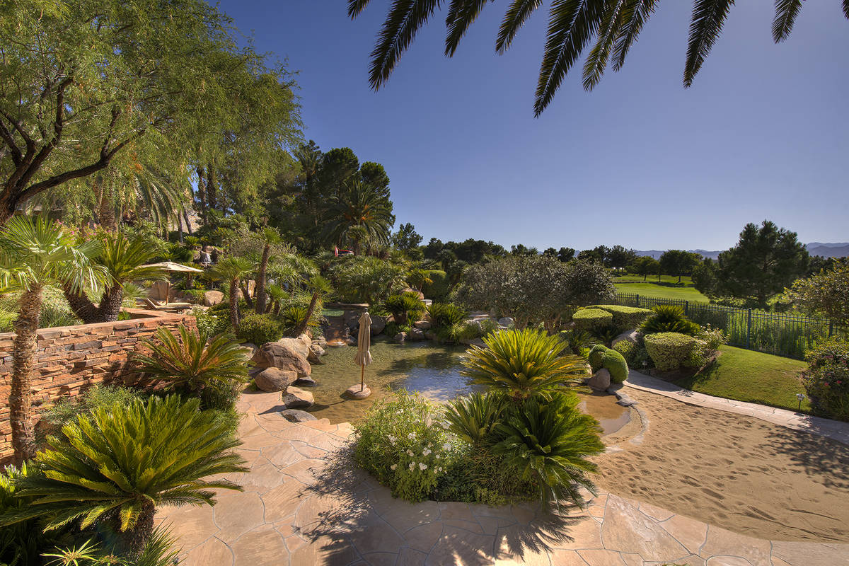 The mansion's grounds are vast. (Synergy Sotheby's International)