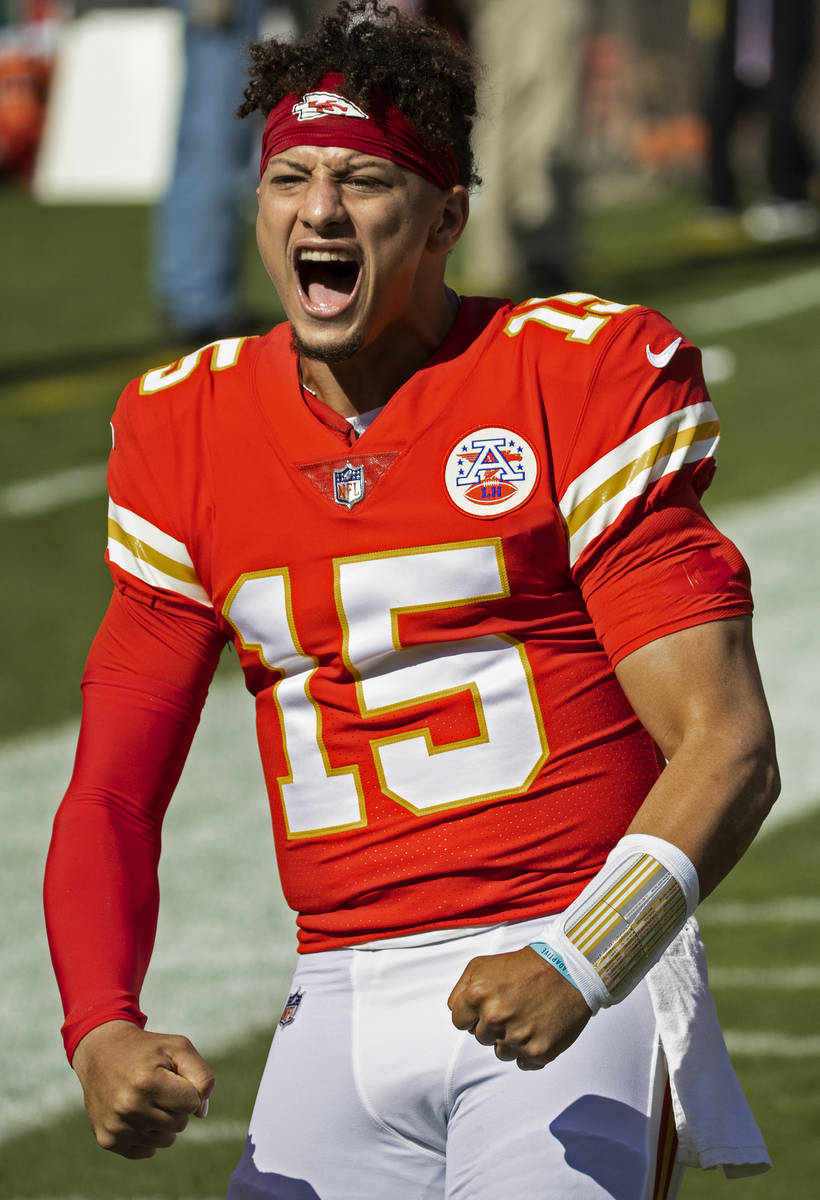Kansas City Chiefs quarterback Patrick Mahomes (15) fires up the crowd during an NFL football g ...