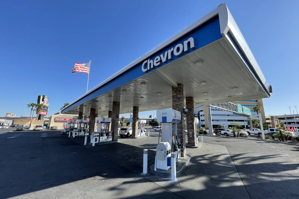 The Chevron gas station at Bonanza and Rancho Drive. (Kevin Cannon/Las Vegas Review-Journal)