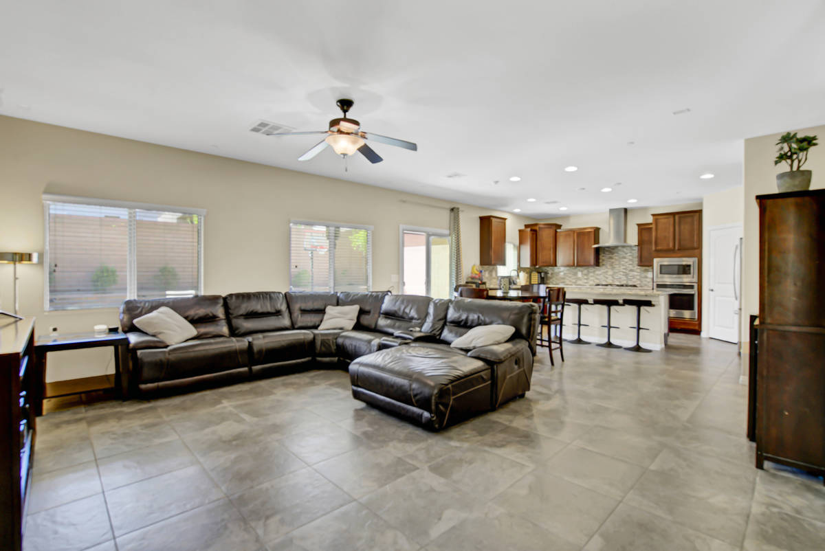 The family room of 837 Motherwell Ave. in Henderson (Casie and Derek Jolley)