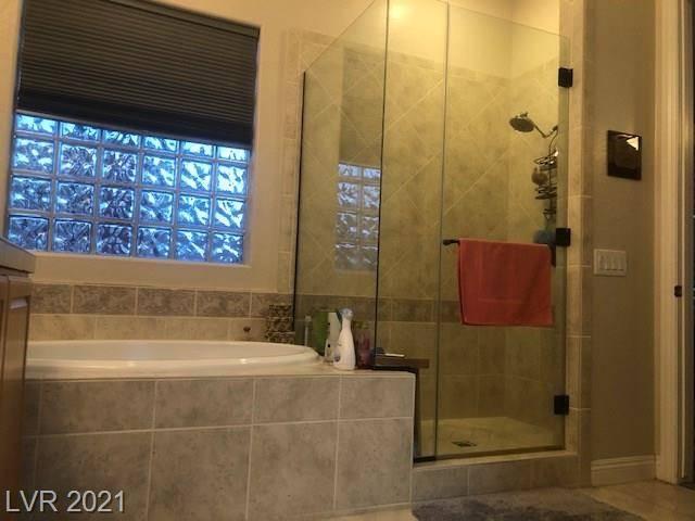 A bathroom at 3909 Fledgling Drive in North Las Vegas (Jeffrey L. Prenger)