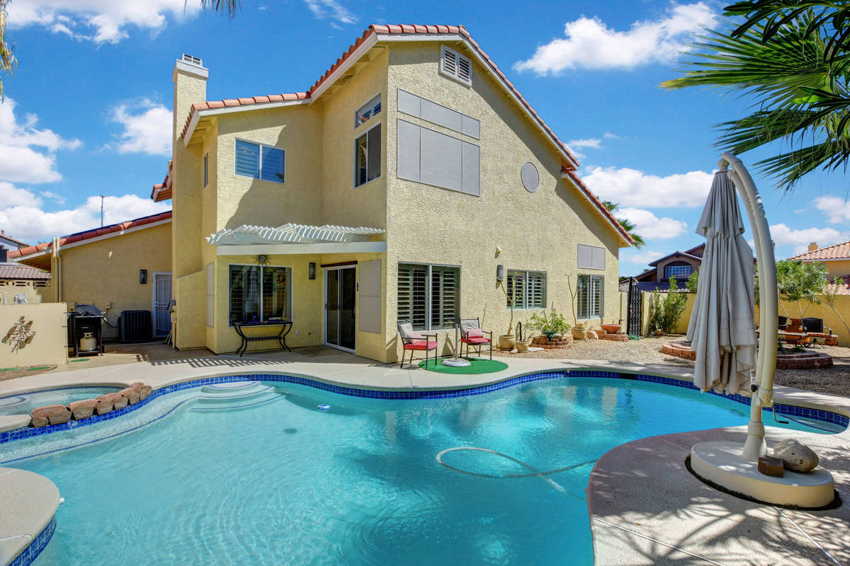 The pool and spa at 8847 Pacific Bay Lane. (Wild Dog Digital)