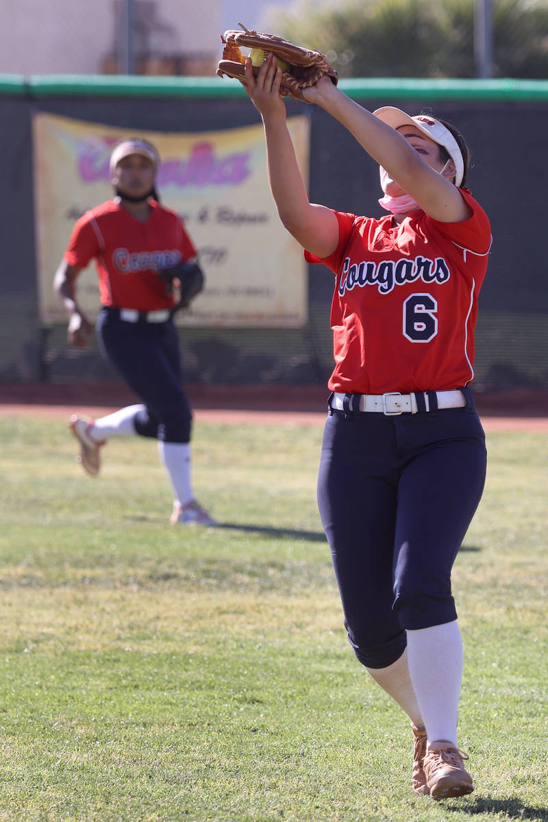 Coronado's Willow Bachiochi (6) makes a catch for an out against Green Valley in the fourth inn ...