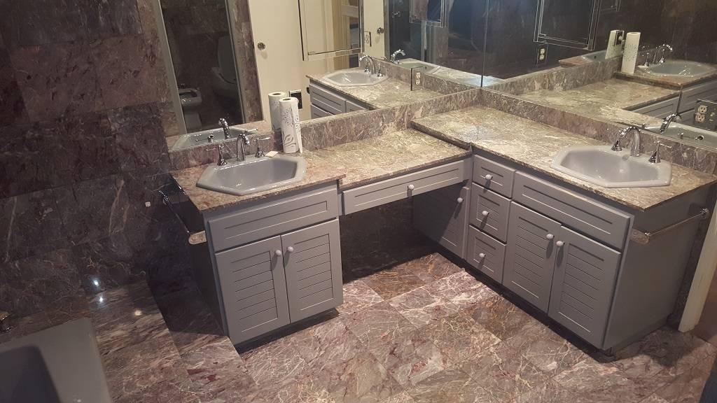 A bathroom at 2037 Ottawa Drive. (DeeDee Lopez)